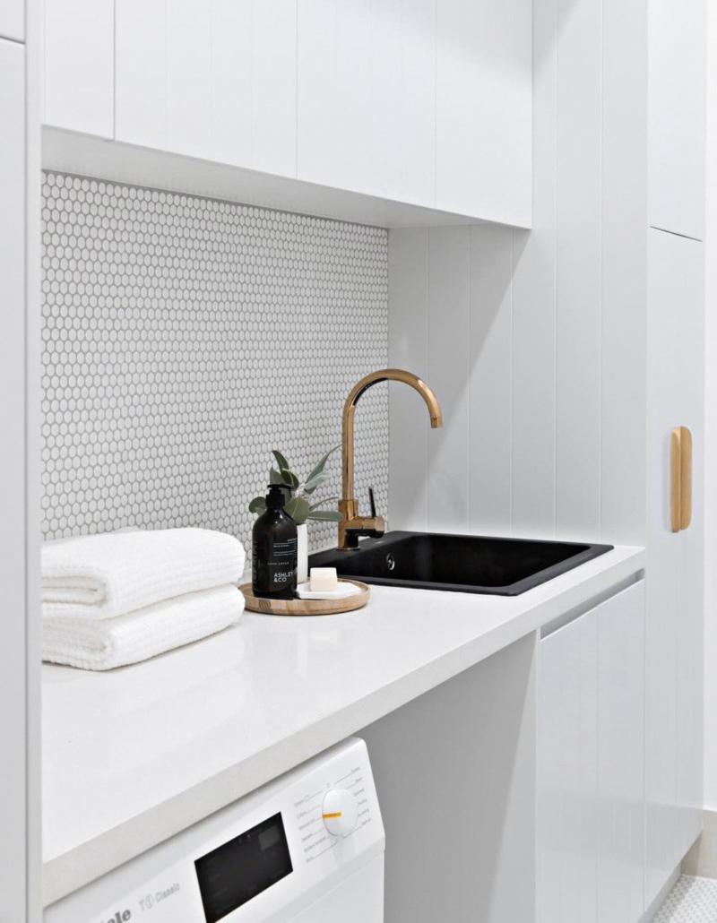 Белая столешница из акрилового камня в ванную комнату — Modern Acrylic Stone