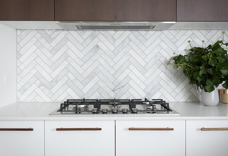 Светлая акриловая столешница на кухню — Modern Acrylic Stone