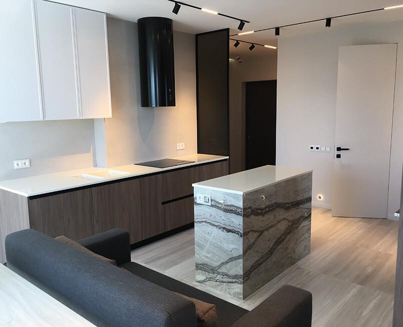 https://mascompany.com.ua/wp-content/uploads/2020/11/ostrov-i-stoleshnitsa-s-dvoynoy-moykoy-staron-sm421-sanded-cream-modern-acrylic-stone-2.jpg