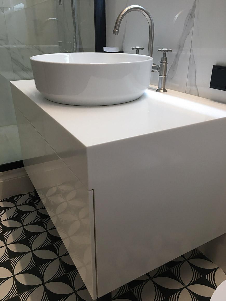 Тумба для ванной из акрилового камня Staron Bright White BW010 – фото 5 – Modern Acrylic Stone